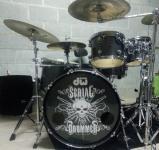 serial drummer